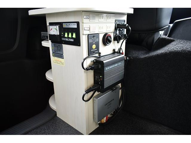 ナッツRV トライアル 4WD ツインサブ FFヒーター 400W、1500Wインバーター マックスファン ソーラーパネル 冷蔵庫 シンク 架装部TV 地デジアンテナ リアヒーター リアクーラー ミラー型モニター(43枚目)