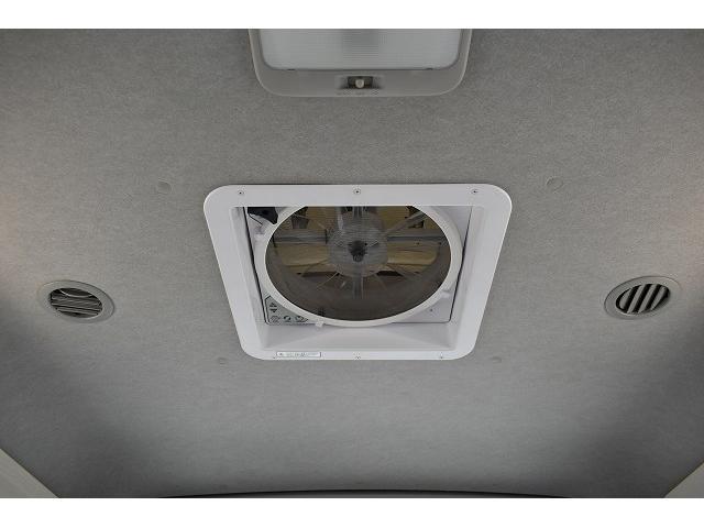ナッツRV トライアル 4WD ツインサブ FFヒーター 400W、1500Wインバーター マックスファン ソーラーパネル 冷蔵庫 シンク 架装部TV 地デジアンテナ リアヒーター リアクーラー ミラー型モニター(47枚目)
