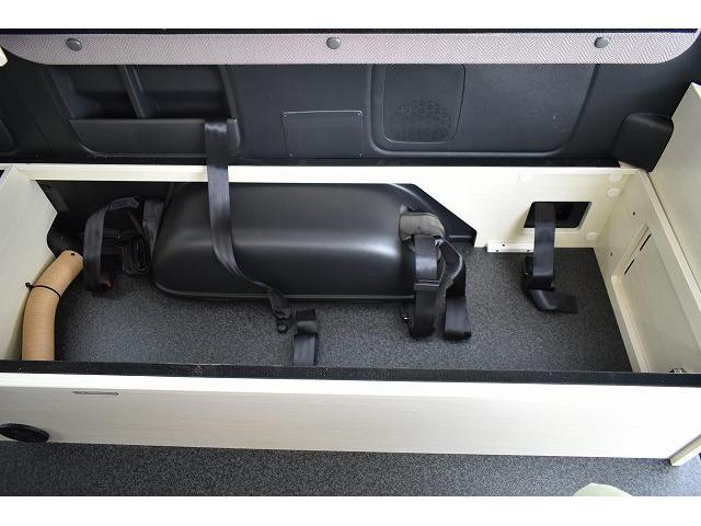 ナッツRV トライアル 4WD ツインサブ FFヒーター 400W、1500Wインバーター マックスファン ソーラーパネル 冷蔵庫 シンク 架装部TV 地デジアンテナ リアヒーター リアクーラー ミラー型モニター(55枚目)