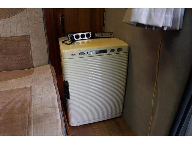 AtoZ アメリア サブバッテリー シンク カセットコンロ ポータブル冷蔵庫 走行充電 外部充電 社外HDDナビ ミラーモニター ETC 助手席ヘッドレストモニター サテライトスピーカー(51枚目)