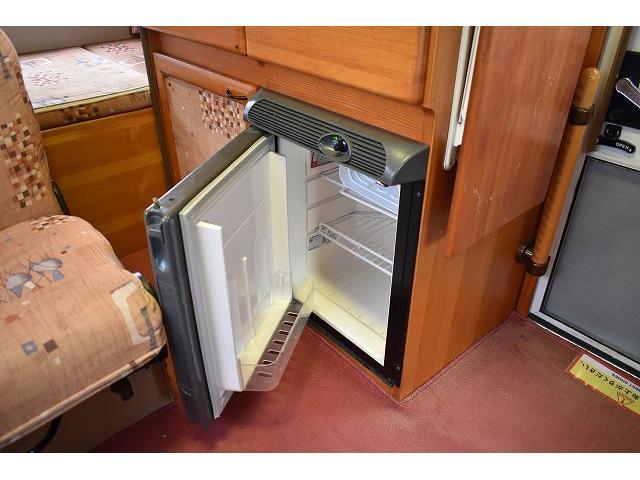 グローバル アスリート サブバッテリー FFヒーター シンク 冷蔵庫 350Wインバーター 走行充電 外部充電 外部電源 ルーフベント サイドオーニング 架装部TV テーブル 地デジアンテナ リアヒーター リアクーラー(38枚目)