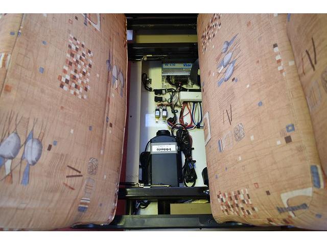 グローバル アスリート サブバッテリー FFヒーター シンク 冷蔵庫 350Wインバーター 走行充電 外部充電 外部電源 ルーフベント サイドオーニング 架装部TV テーブル 地デジアンテナ リアヒーター リアクーラー(45枚目)