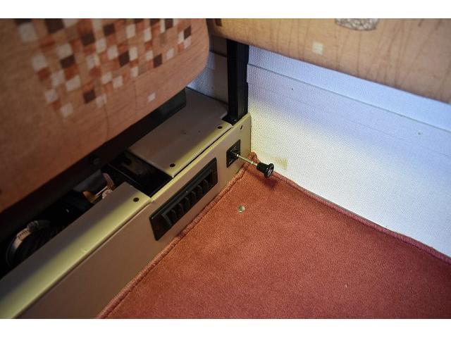 グローバル アスリート サブバッテリー FFヒーター シンク 冷蔵庫 350Wインバーター 走行充電 外部充電 外部電源 ルーフベント サイドオーニング 架装部TV テーブル 地デジアンテナ リアヒーター リアクーラー(47枚目)
