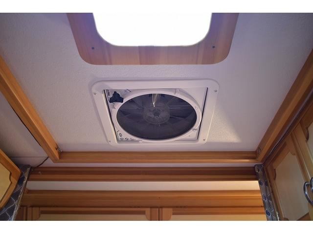 AtoZ アミティ ツインサブ 1500Wインバーター 電子レンジ シンク カセットコンロ 冷蔵庫 マックスファン 架装部TV 走行充電 外部充電 外部電源 社外ナビ フルセグ バックカメラ ETC ドラレコ キーレス(54枚目)