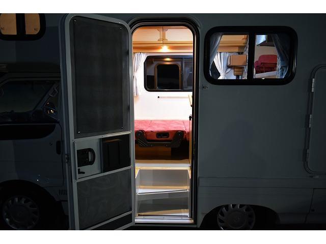 AtoZ アミティ ツインサブ 1500Wインバーター 電子レンジ シンク カセットコンロ 冷蔵庫 マックスファン 架装部TV 走行充電 外部充電 外部電源 社外ナビ フルセグ バックカメラ ETC ドラレコ キーレス(62枚目)