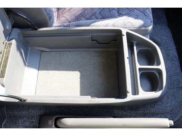 レクビィ サライ ワンオーナー サブバッテリー FFヒーター シンク ポリタンク 走行充電 外部充電 外部電源 ミニファン テーブル 社外HDDナビ フルセグ バックカメラ ETC リアクーラー リアヒーター(21枚目)