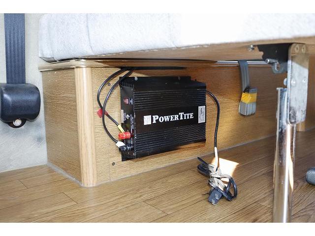 レクビィ サライ ワンオーナー サブバッテリー FFヒーター シンク ポリタンク 走行充電 外部充電 外部電源 ミニファン テーブル 社外HDDナビ フルセグ バックカメラ ETC リアクーラー リアヒーター(28枚目)