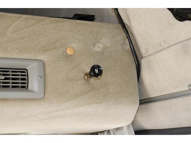 レクビィ サライ ワンオーナー サブバッテリー FFヒーター シンク ポリタンク 走行充電 外部充電 外部電源 ミニファン テーブル 社外HDDナビ フルセグ バックカメラ ETC リアクーラー リアヒーター(34枚目)