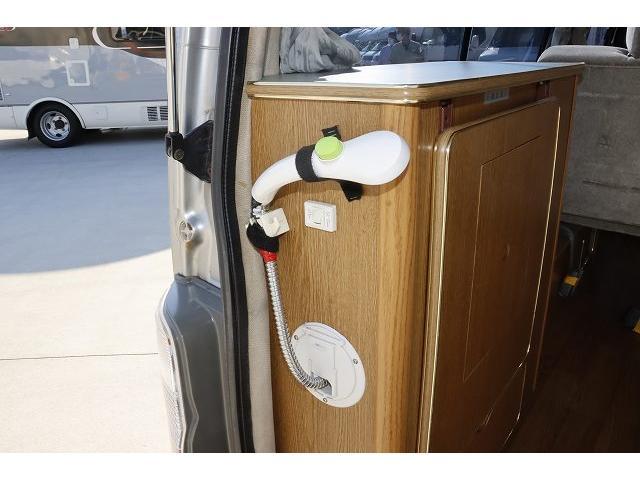 レクビィ サライ ワンオーナー サブバッテリー FFヒーター シンク ポリタンク 走行充電 外部充電 外部電源 ミニファン テーブル 社外HDDナビ フルセグ バックカメラ ETC リアクーラー リアヒーター(39枚目)