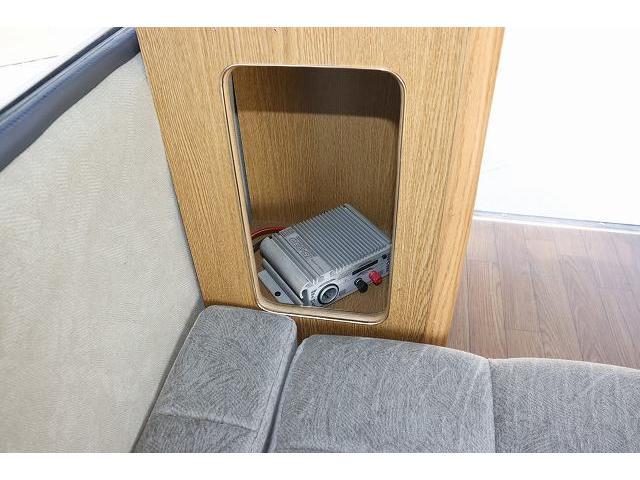 レクビィ サライ ワンオーナー サブバッテリー FFヒーター シンク ポリタンク 走行充電 外部充電 外部電源 ミニファン テーブル 社外HDDナビ フルセグ バックカメラ ETC リアクーラー リアヒーター(47枚目)