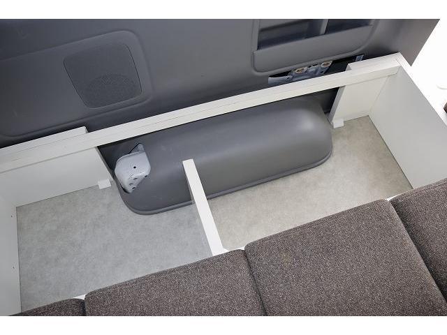 ワークVOX オリジナル ツインサブ シンク 500Wインバーター 走行充電 外部電源 網戸2枚 テーブル 社外HDDナビ フルセグ バックカメラ ETC HID パワースライドドア キーレス 乗車10人 就寝3人(44枚目)