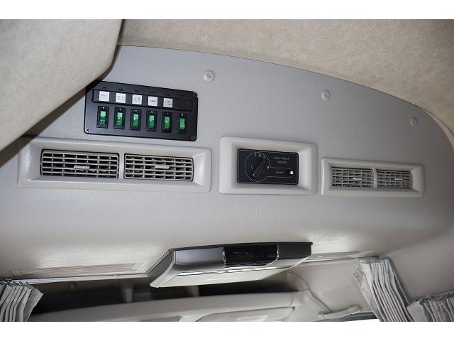 ビークル ブロス サブバッテリー FFヒーター シンク コンロ 冷蔵庫 走行充電 外部充電 メインサブ切り替えスイッチ SDナビ フルセグ バックカメラ ETC フリップダウンモニター 社外15インチアルミホイール(33枚目)