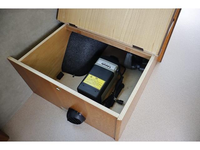 ビークル ブロス サブバッテリー FFヒーター シンク コンロ 冷蔵庫 走行充電 外部充電 メインサブ切り替えスイッチ SDナビ フルセグ バックカメラ ETC フリップダウンモニター 社外15インチアルミホイール(47枚目)
