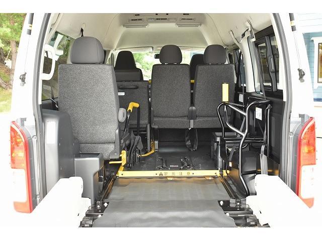 車椅子仕様車 Bタイプ 車椅子2基 車椅子電動固定装置(5枚目)