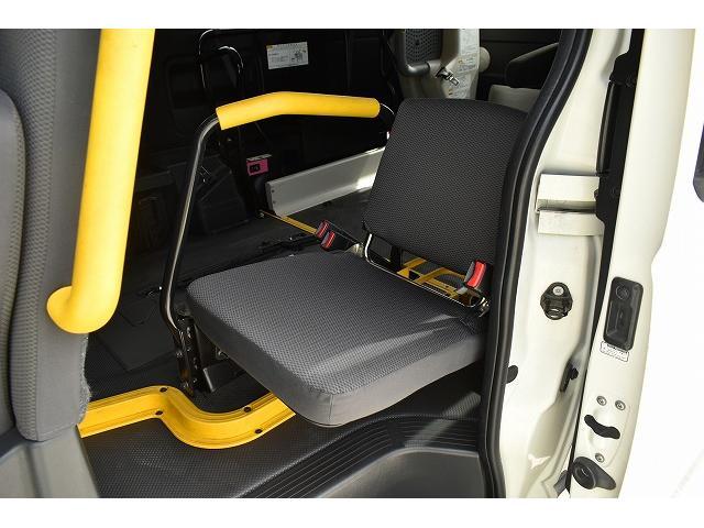 車椅子仕様車 Bタイプ 車椅子2基 車椅子電動固定装置(12枚目)