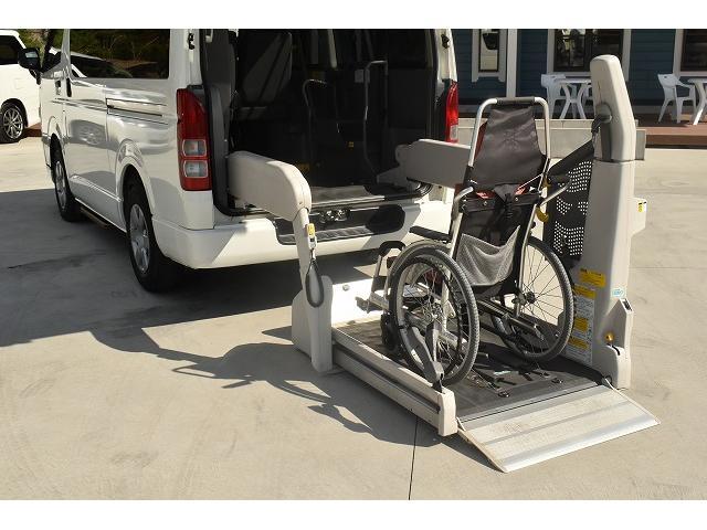 リアリフト 車椅子2基 電動車椅子固定装置 ニールダウン(4枚目)