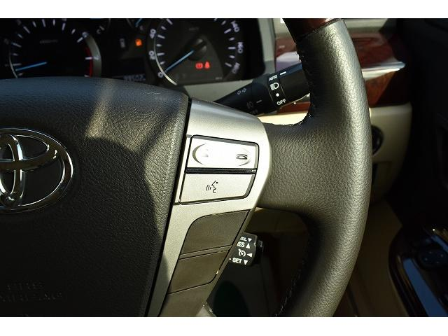 ☆クルーズコントロールがついております。自動車の運転を補助する装置で、エンジンの吸気機構を機械的に制御し、アクセルペダルを踏み続けなくても設定した速度を維持して走行できる機能です。