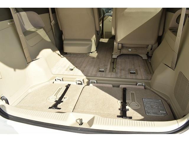 サードシートは収納することが可能です。