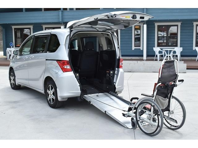 福祉車両 スロープ 車椅子1台 後退防止ベルト 片側パワスラ(3枚目)
