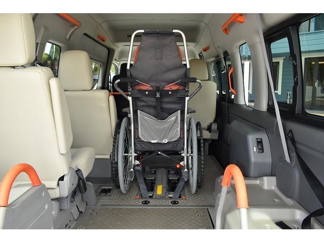 福祉車両 リアリフト 車椅子2基 電動固定装置 HID(7枚目)