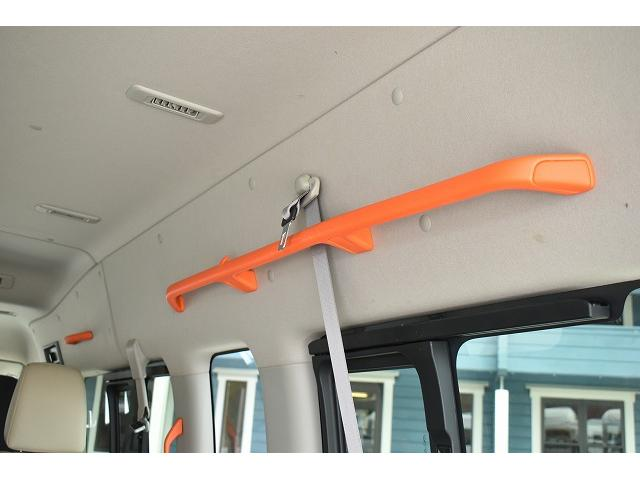 福祉車両 リアリフト 車椅子2基 電動固定装置 HID(9枚目)