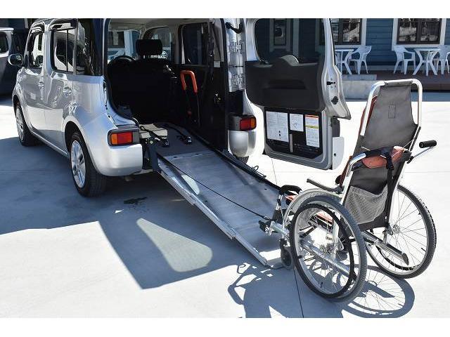 福祉車両 スロープ 車椅子1基 電動ウインチ 固定装置 ナビ(3枚目)