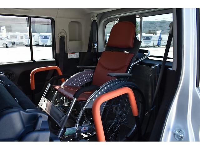 福祉車両 スロープ 車椅子1基 電動ウインチ 固定装置 ナビ(10枚目)