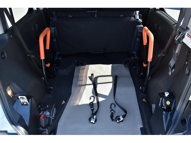 福祉車両 スロープ 車椅子1基 電動ウインチ 固定装置 ナビ(12枚目)