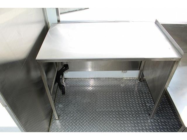 作業台寸法は450mm×775mm×602mmとなっております。