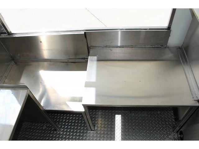 作業台寸法は475mm×652mm×452mm、454mm×706mm×350mmとなっております。