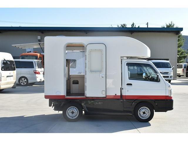KCエアコン・パワステ 移動販売車 キッチンカー ケータリングカー 2槽シンク 給排水タンク 家庭用AC冷蔵庫 ルーフベント 外部電源  販売口1か所 12Lフライヤー アクリル窓 ラック 収納 作業台(31枚目)