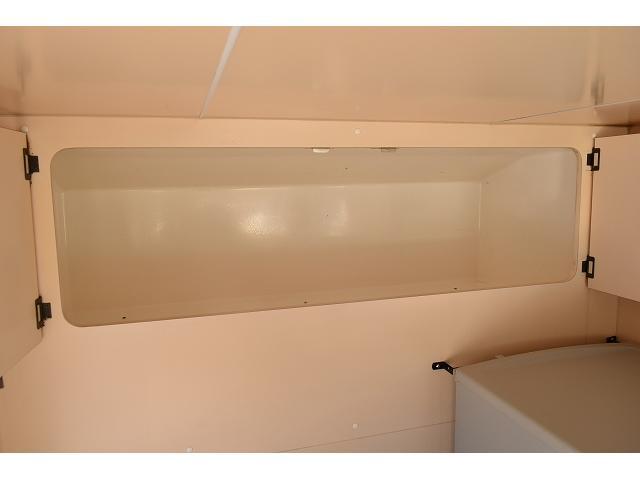 KCエアコン・パワステ 移動販売車 キッチンカー ケータリングカー 2槽シンク 給排水タンク 家庭用AC冷蔵庫 ルーフベント 外部電源  販売口1か所 12Lフライヤー アクリル窓 ラック 収納 作業台(48枚目)