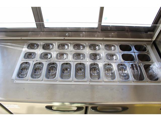 移動販売車 キッチンカー ケータリングカー 3槽シンク 給水タンク リチウムイオンバッテリー 1500Wインバーター 冷蔵庫 換気扇 電気温水器 電気殺菌庫 ステンレスバット 販売窓 ステップ 収納(55枚目)