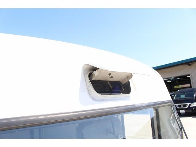 移動販売車 キッチンカー ケータリングカー 軽貨物4ナンバー登録車 1槽シンク LPG用給湯器 ポンプ ミニファン 販売カウンター 開口口3か所 AT 常時ミラーモニター アルミフロア 照明 作業台(54枚目)