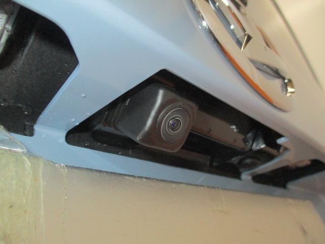ミラーだけでは、確認できない場所の危険もバックカメラがついていれば、駐車簡単☆安心☆ とても便利で嬉しい、人気の高い安全装備です!駐車が苦手な方や、初めての運転、久しぶりの運転の方には必須の装備♪