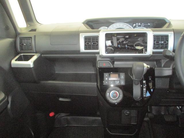 使いやすいレイアウトになっております。実用的な収納も多いので自分好みの快適な車内に♪見た目はすっきりとしていて、使いやすく見た目も良いインパネ☆