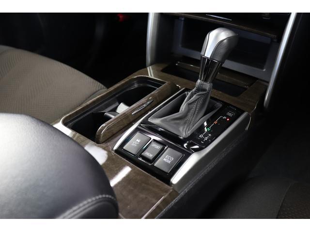 ■多彩な装備でご納得頂けるお車だと思います。お客様にご納得頂けるお車を提供できるよう日々、努力いたします。ご来店の際は、どのようなことでもご相談ください。精一杯ご対応させて頂きます。