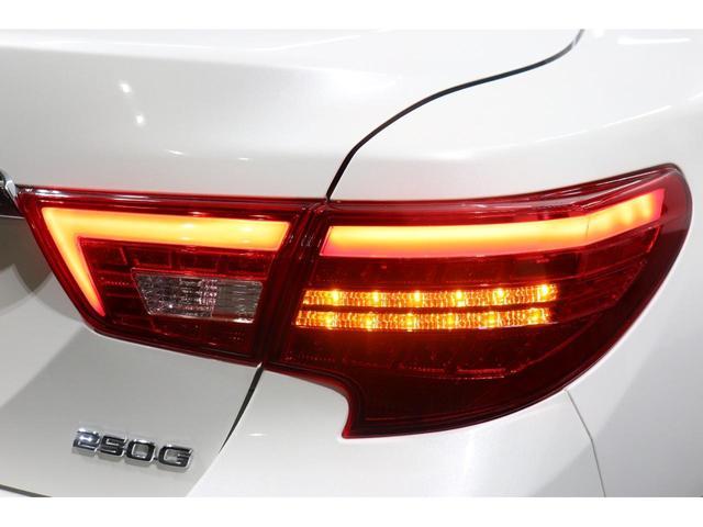 250G リラックスセレクション RDS仕様/モデリスタエアロ/リアG's仕様/新品シュパーヴ19AW/社外車高調/OP付きBRASH三眼ヘッドライト/OP付きレッドテール/シートカバー/バックカメラ/Bluetooth/パワーシート(9枚目)