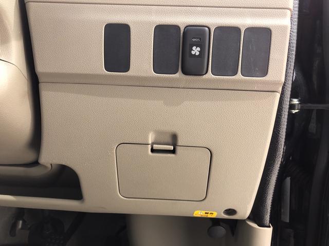 カスタムターボRS 4WD CDチューナー キーレス 両側スライドドア(7枚目)