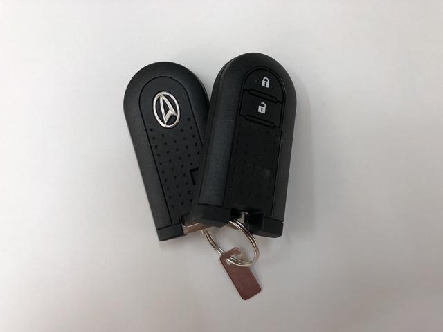 スマートキーを携帯していれば雨の日もドアの施錠もボタンひとつで便利です♪