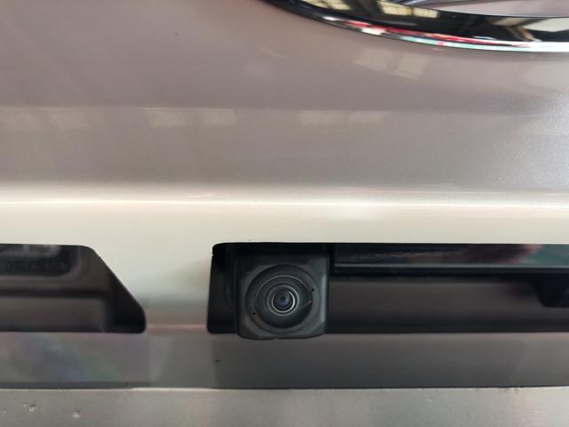 バックカメラ装備で車庫入れも安心
