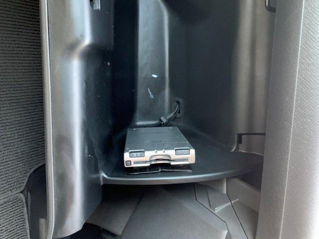 G Lパッケージ 両側電動 後席モニター 社外ナビ 車高調(18枚目)