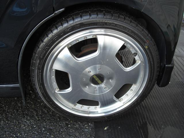 ユーロエディション16AWです。タイヤは165/45-16。4本とも新品です。