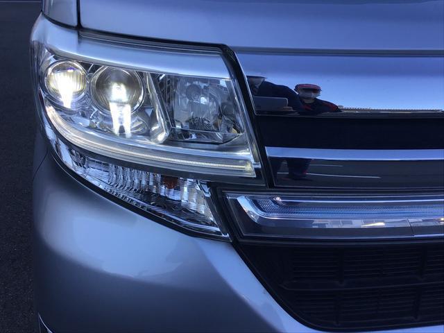 """暗い夜道を明るく照らす""""LED ヘッドライト""""を装備!安全運転にも役立ちますね♪"""