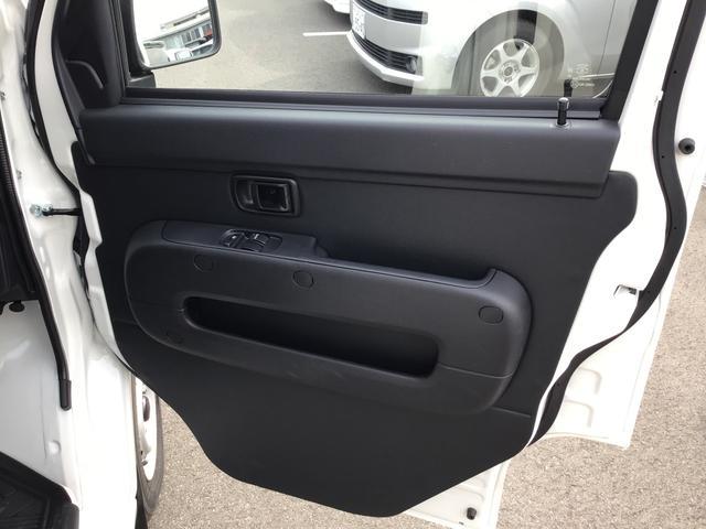 運転席のドアの内側です♪