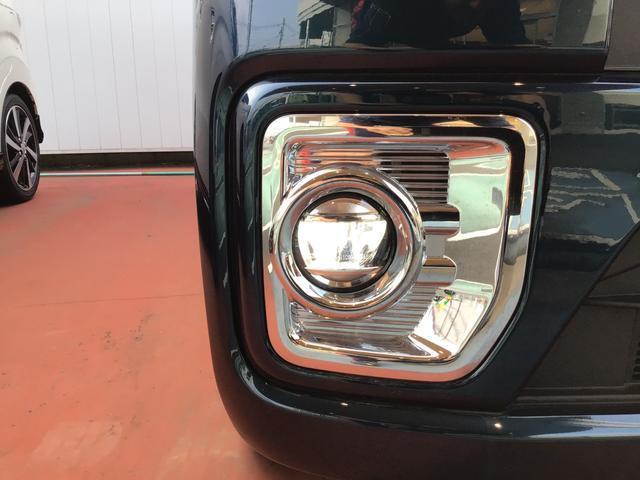 """前後左右の4つのカメラを合成し、車両を俯瞰に写し出す""""パノラマカメラ""""装着車両です。もちろん純正カーナビの装着がおススメですよ♪"""