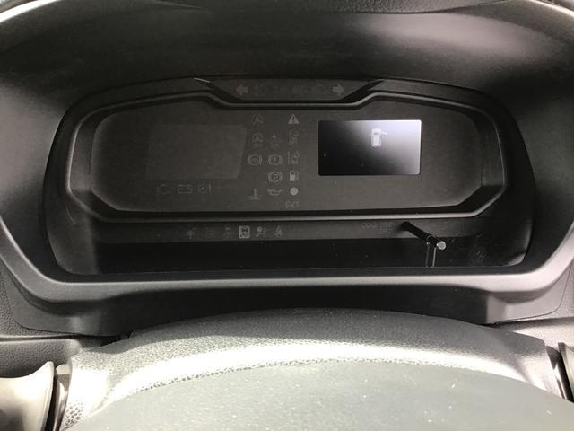 """メーター内には、""""平均燃費""""や次回給油までの距離をお知らせする""""航続可能距離""""、アイドリングストップのタイマーや、節約燃料など、走行に役立つ様々な情報が表示されます♪"""