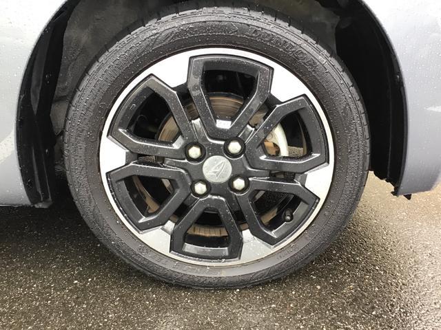 純正15インチアルミホイールが標準装備!タイヤサイズは165/55R15になります。
