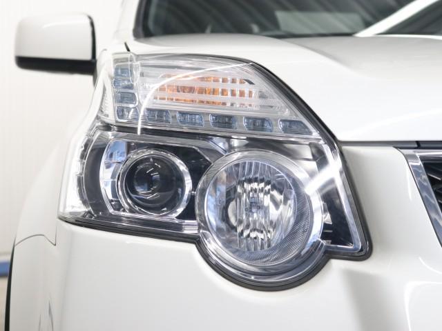 2.0 20X 4WD 禁煙車 純正SDナビ フルセグTV(6枚目)