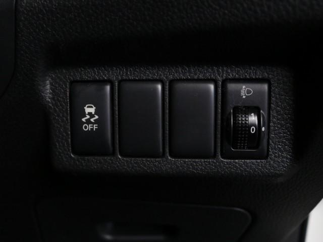 2.0 20X 4WD 禁煙車 純正SDナビ フルセグTV(12枚目)